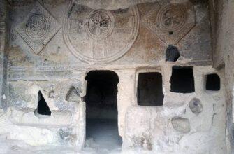 kappadokiya peshhernye monastyri