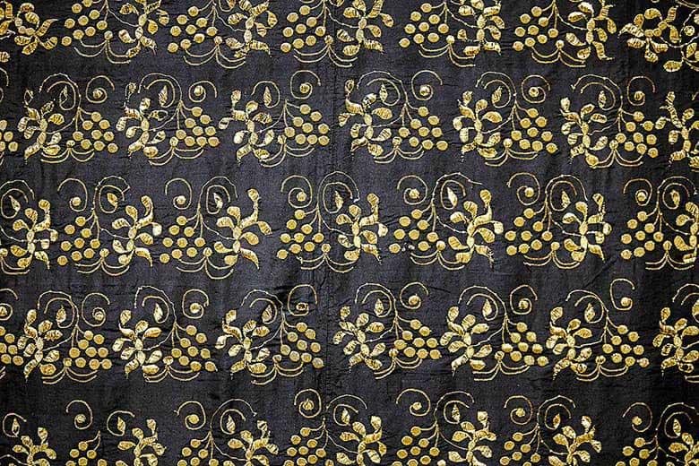 Золотное шитье на платке Нижегородской губернии
