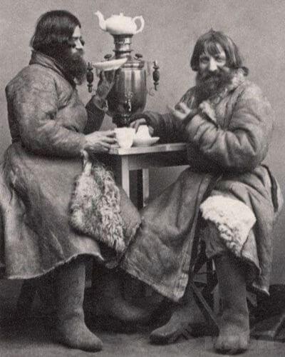 Вильям Каррик. Извозчики в чайной. Конец 1860-х. Санкт-Петербург.