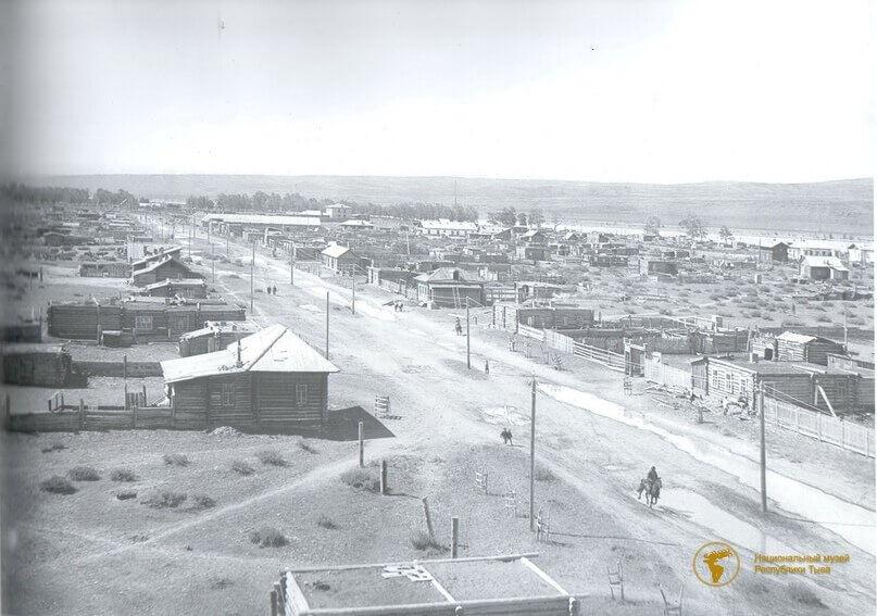 В апреле 1914 года был заложен первый город в Туве, который назвали Белоцарском(Кызыл).